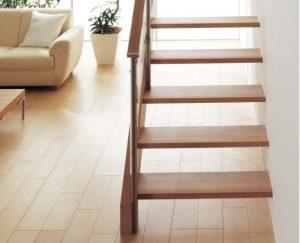 ささら形のオープンスタイルの階段