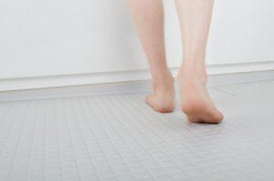 アライズの床は冬でも暖かくて汚れを浮かせて落とす!「キレイサーモフロア」